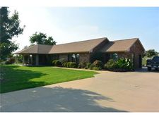 104 Rowland Dr, Whitewright, TX 75491