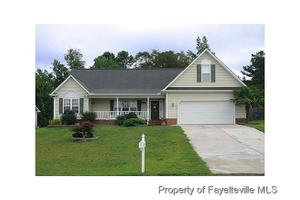 214 Beaconfield Dr, Fayetteville, NC 28311