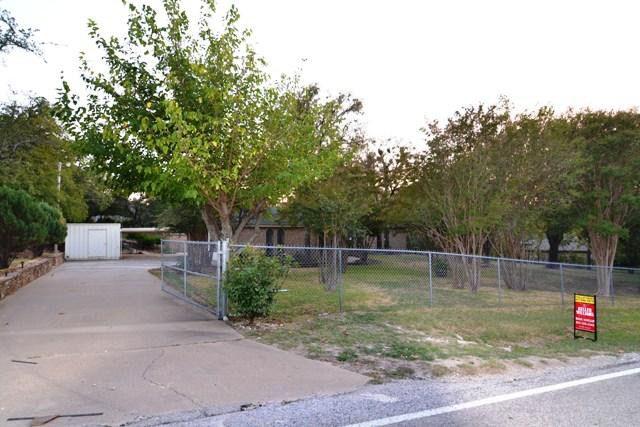 1516 Scotland Ave, Azle, TX 76020