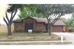 7716 Castillo Rd, Fort Worth, TX 76112