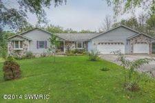 6865 Cherrywood Ln, Saranac, MI 48881