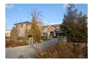 23 Shore Dr, Port Chester, NY 10573