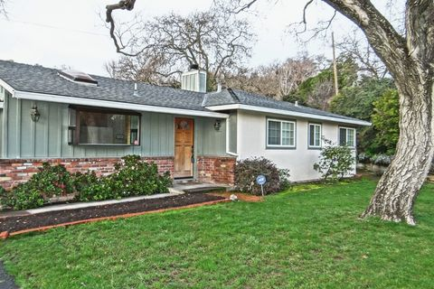 2225 Overlook Dr, Walnut Creek, CA 94597