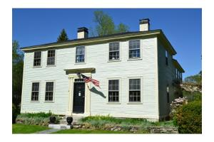 8 Lane Rd, Derry, NH 03038