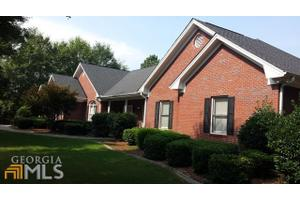 156 Cotton Creek Dr, Mcdonough, GA 30252