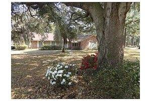 613 Plantation Dr, Savannah, GA 31419