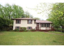 9516 Oliver Ave N, Brooklyn Park, MN 55444