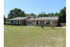 5936 Castle Dr, Milton, FL 32570