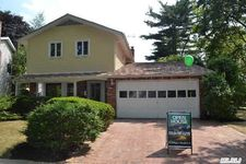 2 Boat Ln, Port Washington, NY 11050