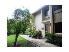 225 Wimbledon Lake Dr, Plantation, FL 33324
