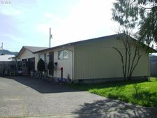 926 Juniper Ave, Reedsport, OR 97467
