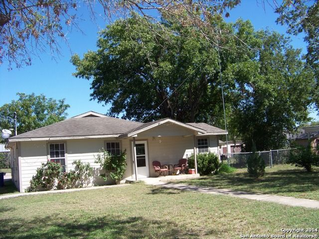 918 6th st floresville tx 78114 home for sale and real estate listing