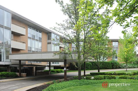 1301 N Western Ave Unit 119, Lake Forest, IL 60045