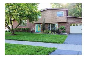 8565 Hermitage Ln, Sycamore Twp, OH 45236