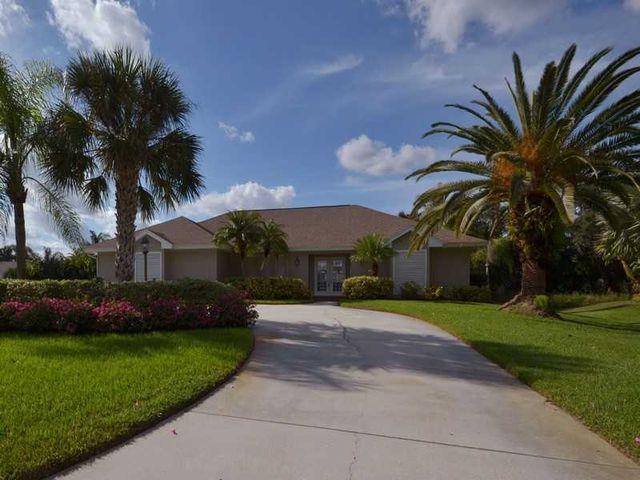 425 38th Sq SW, Vero Beach, FL