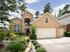 19 W Spindle Tree Cir, The Woodlands, TX 77382