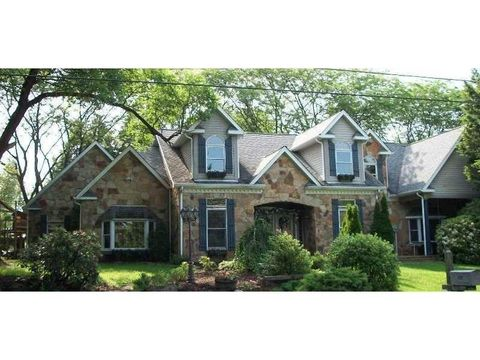 203 Oliver Dr, Township of But Southeast, PA 16002