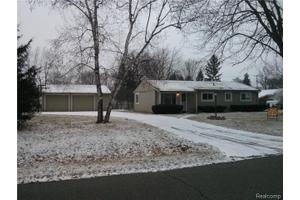 4620 Oakvista Ave, Independence Twp, MI 48346