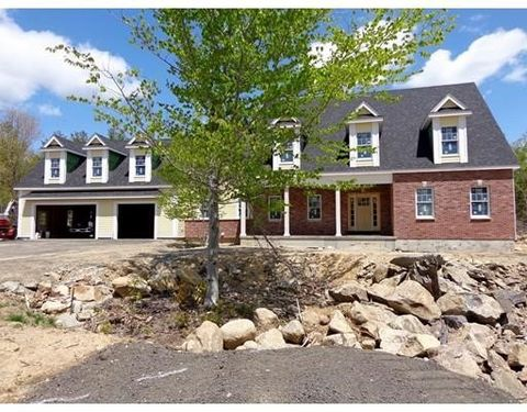 36 Field Cir, Wrentham, MA 02093