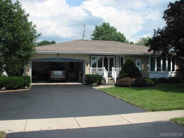 205 Warner Rd, Lancaster, NY 14086