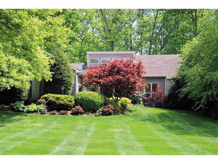 Charmant 8009 Chestershire Dr, West Chester, OH 45241
