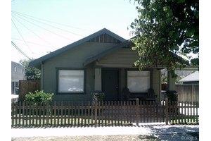 2720 E 6th St, Long Beach, CA 90814