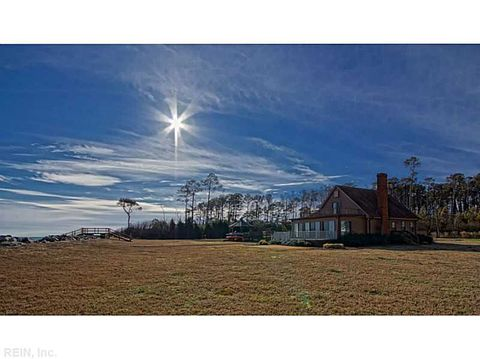 116 Mad Calf Ln, Mathews County, VA 23066