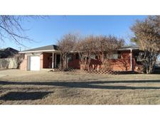 901 Nw 5th St, Moore, OK 73160
