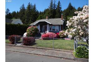1869 Hawthorne Ave, Reedsport, OR 97467