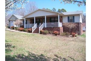 216 Sunset Dr, Huntingdon, TN 38344