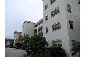 29 Yacht Club Dr Apt 207, North Palm Beach, FL 33408