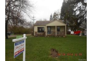 21025 Whitlock St, Farmington Hills, MI 48336