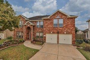 16315 Pinon Vista Dr, Houston, TX 77095