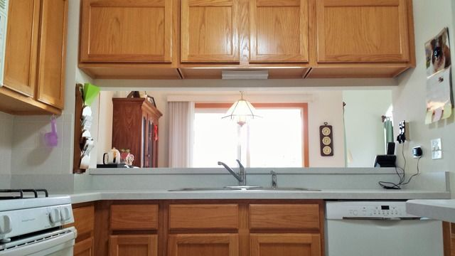 kitchen cabinets 80s 1872 middlebury dr il 60503 realtor 174 19966