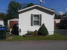 17 Nevis Dr, New Windsor, NY 12553