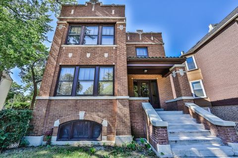 3300 N Albany Ave Unit 1, Chicago, IL 60618