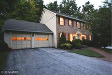 8 Gray Squirrel Ct, Lutherville Timonium, MD 21093