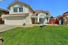 1735 Parkside Dr, Tracy, CA 95376