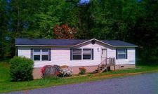 112 Millbank Rd, Wellford, SC 29385