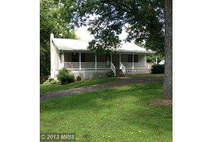 7171 Howellsville Rd, Boyce, VA 22620