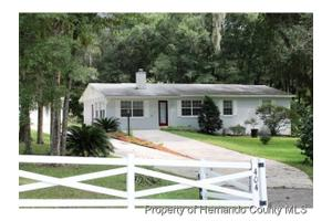 9404 Weatherly Rd, Brooksville, FL 34601