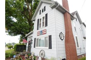 147 W Waterloo St, Canal Winchester, OH 43110