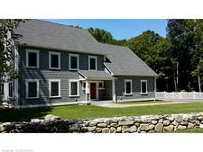 38 Beacon Hill Dr, Storrs, CT 06268