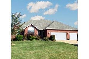294 Oak Tree Ln, Ozark, MO 65721