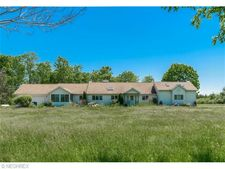 11255 Old State Rd, Chardon, OH 44024