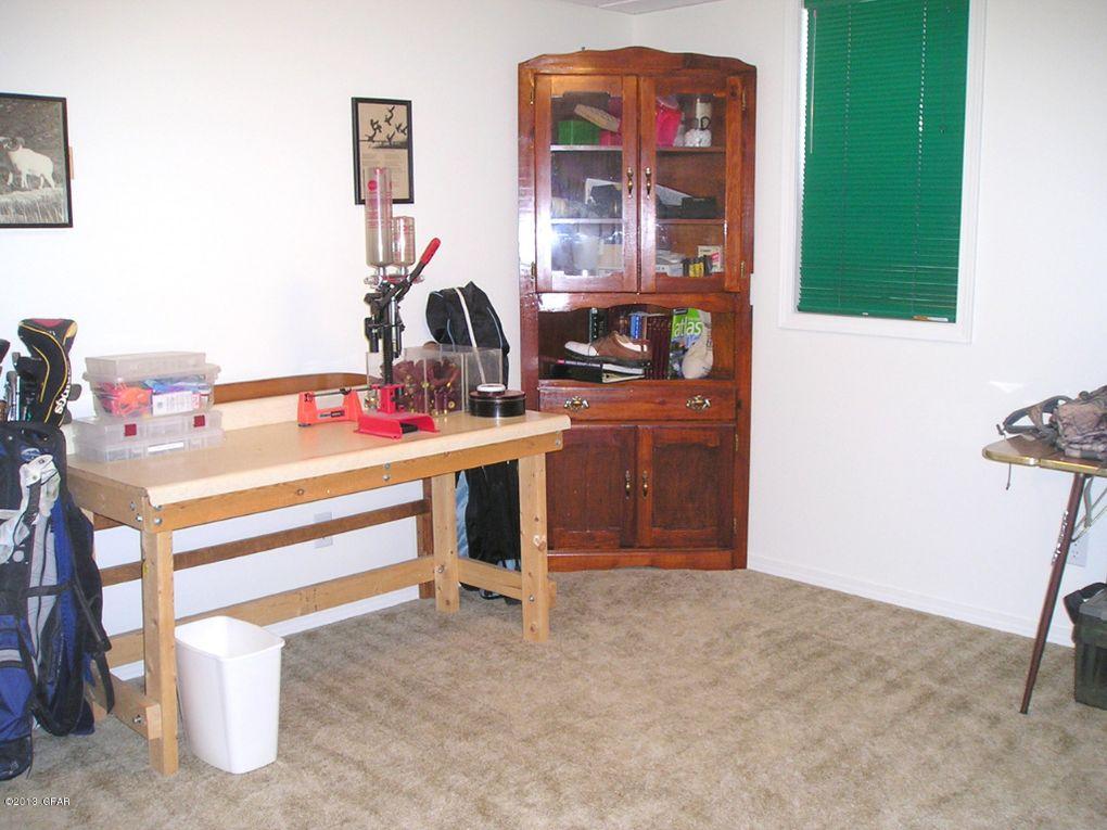 4 amber ln great falls mt 59404 - The living room great falls mt ...