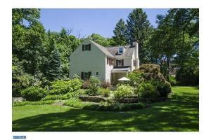 Photo of 216 W INDIAN CREEK RD,WYNNEWOOD, PA 19096