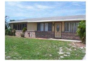 361 NE Orchard St, Port Saint Lucie, FL 34983
