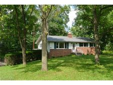 9320 Akron Canfield Rd, Canfield, OH 44406