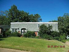 1450 Burnside Ct, Florissant, MO 63031